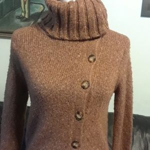 Pretty brown knit sweater